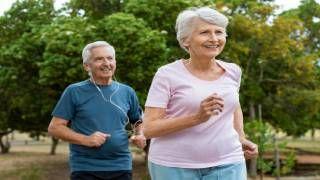 Monitor de animación y actividad física con personas mayores